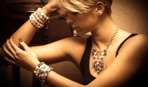 Zažiarte so šperkami