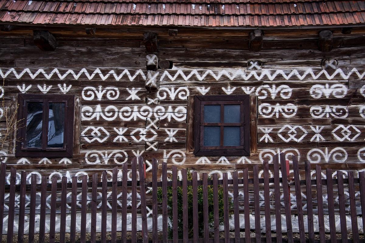 Čičmany: Ornamenty dostali dedinku do zoznamu UNESCO