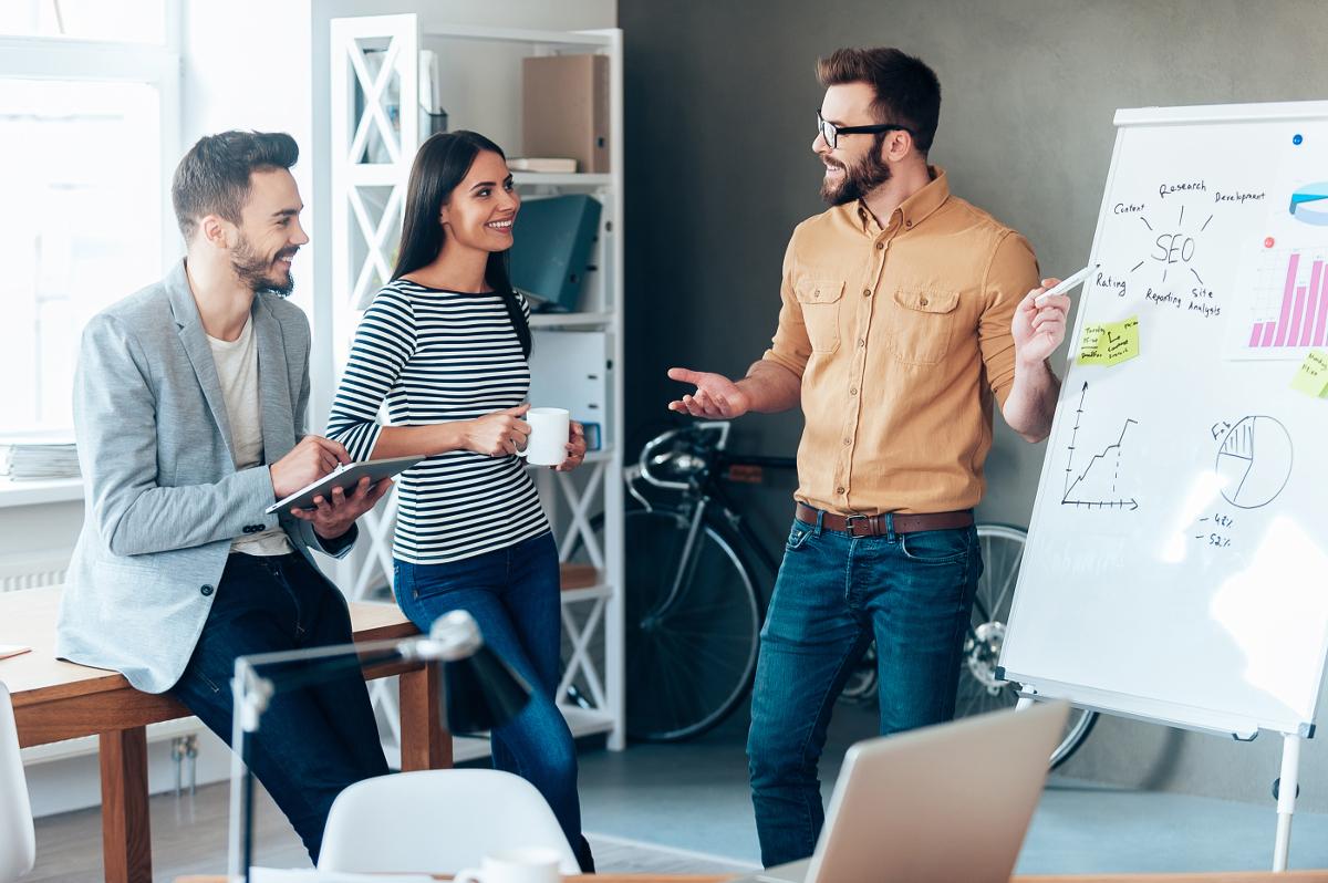 4 veci, ktoré nesmú v kancelárii chýbať : dôležité sú flipcharty aj káva