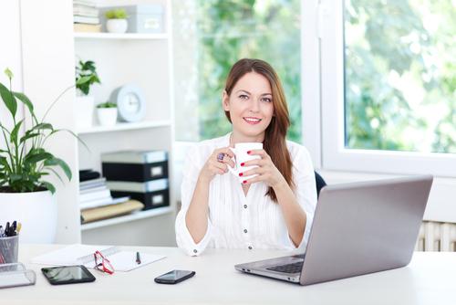 4 tipy, ktoré vám pomôžu vyrovnať sa so sedavým zamestnaním
