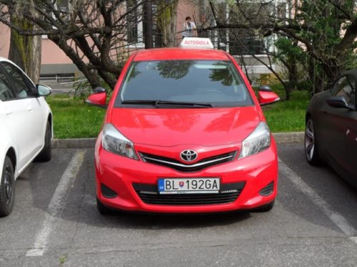 Zvládnete si vybrať dobrú autoškolu?