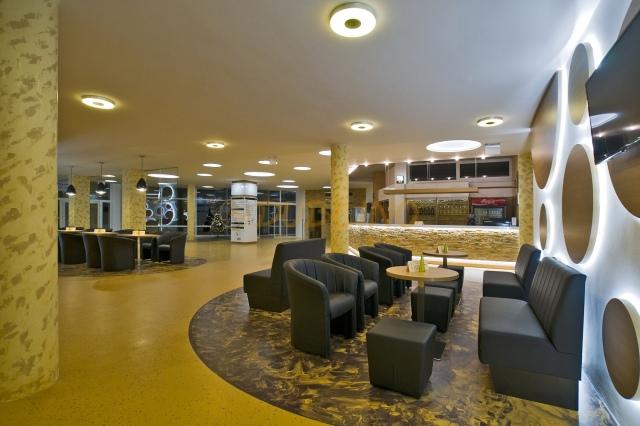 Aj zariadenie verejných priestorov hotelov môže prilákať zákazníkov